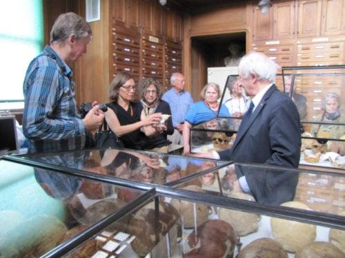 Frank Huffman, Victoria Fong, Lucy Todd, Barry Fong, Camilla Smith with Henry de Lumley, l'Institut de Paléontologie Humaine, Paris
